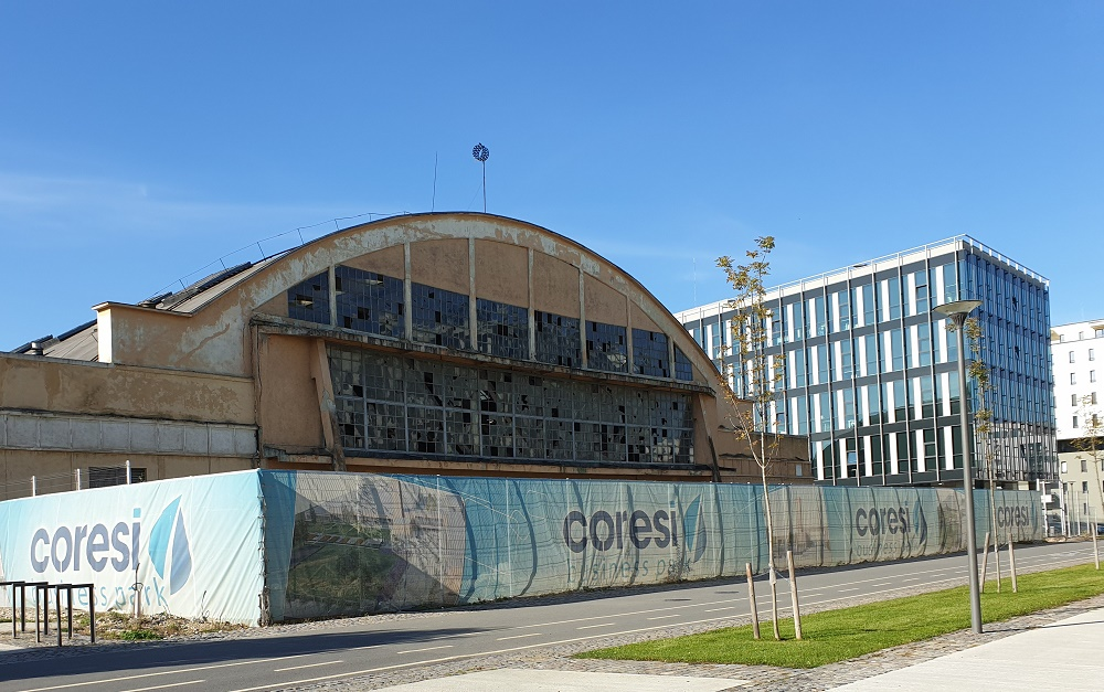 Hangarul unde s-a construit primul avion IAR la Brașov, transformat în centru de evenimente