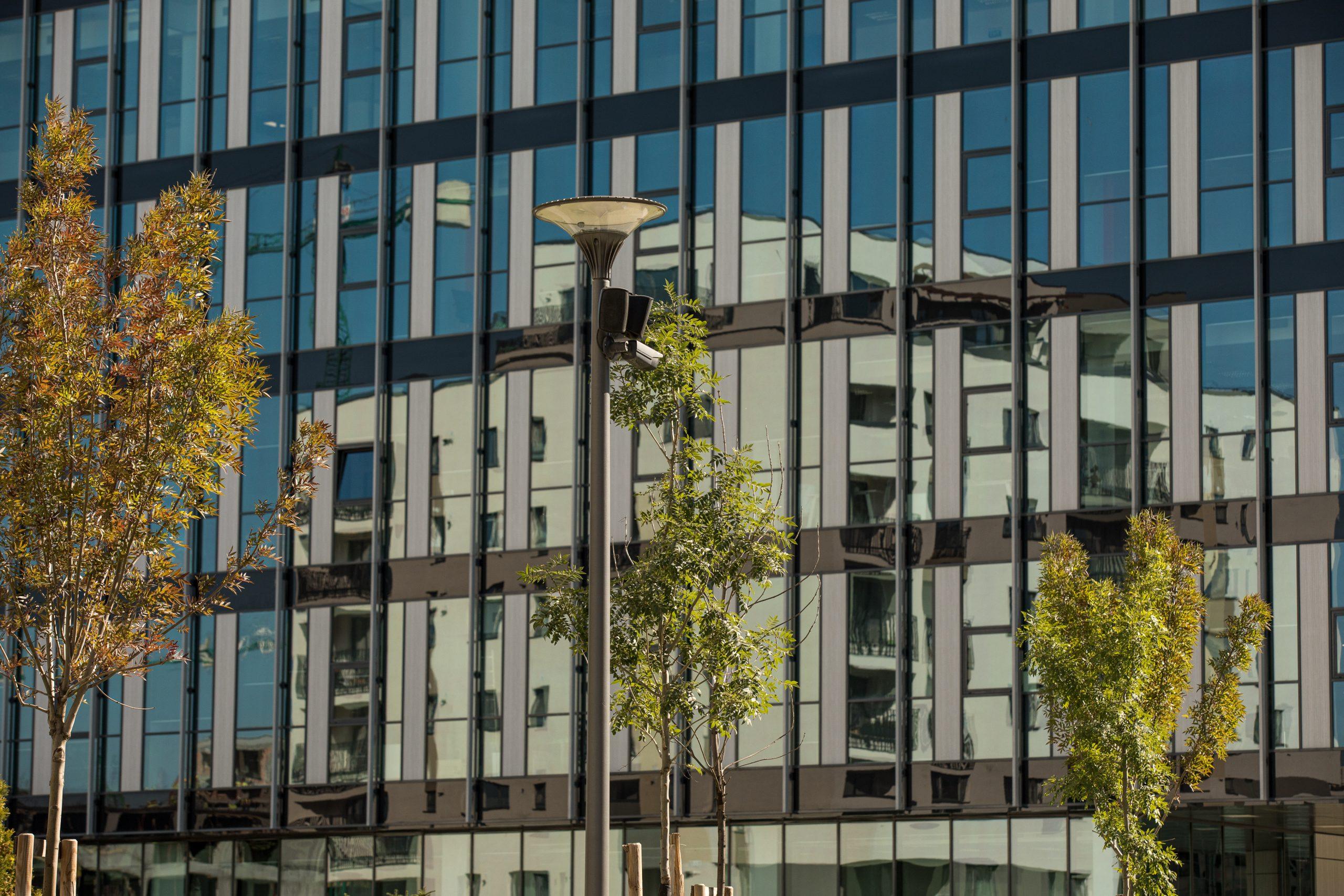 Investiția într-un apartament, oportună pe timp de criză, când și devalorizarea bate la ușă. Chiria poate rămâne un venit sigur